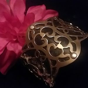 Jewelry - SALE💥GOLD AND FLUX LEATHER  CUFF BRACELET💞💞